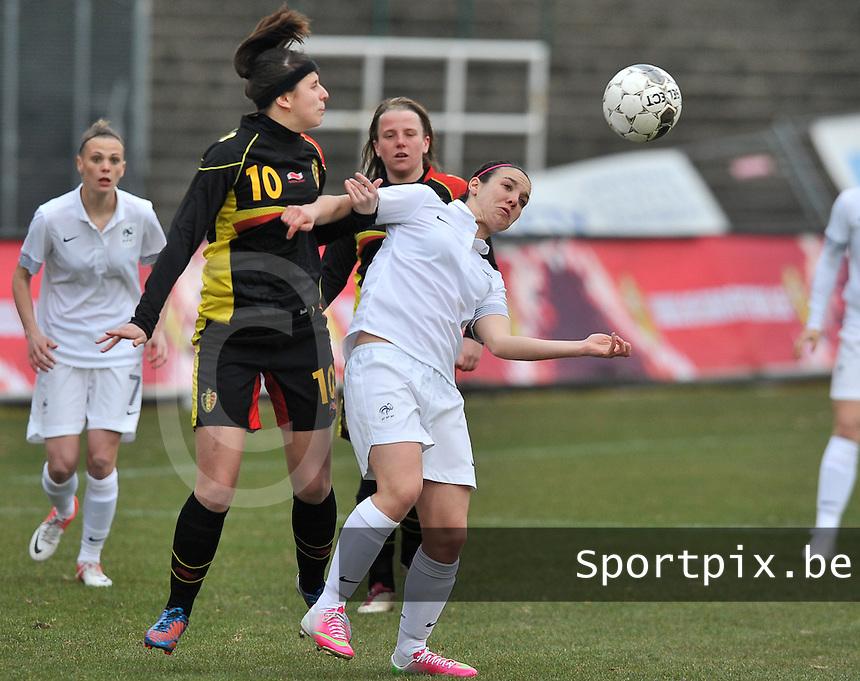 France U19 - Belgium U19 : duel between Belgian nr. 10 Laura De Neve (left) and Clarisse Le Bihan (right).foto DAVID CATRY / Nikonpro.be