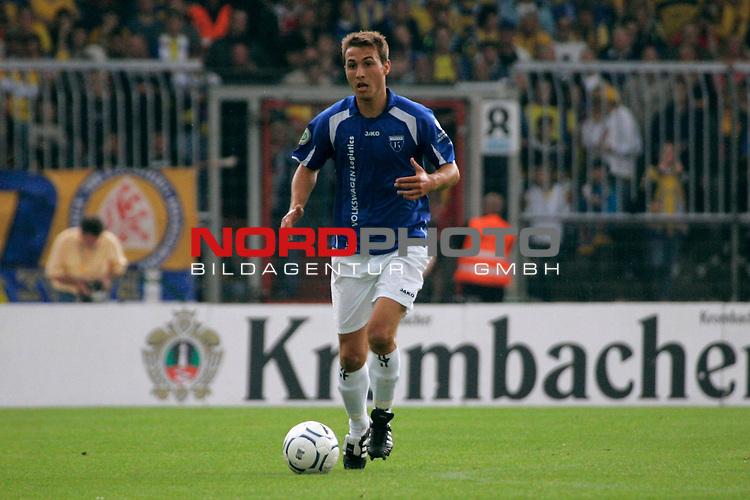RLN 2007/2008 1. Spieltag Hinrunde<br /> Eintracht Brauschweig - Kickers Emden <br /> <br /> Stefan Nachtigall #6 von Kickers Emden<br /> <br /> Foto: &copy; nph ( nordphoto )<br /> <br />  *** Local Caption ***
