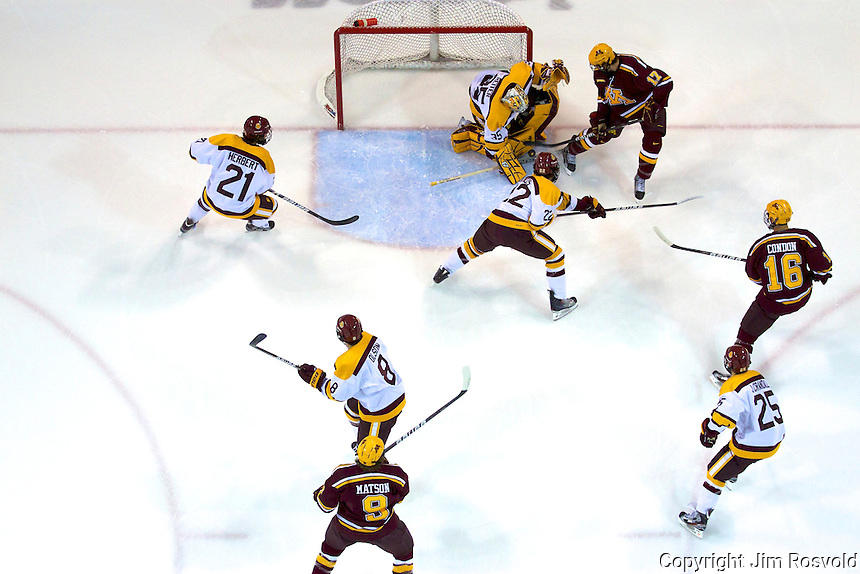14 Oct 11: Kenny Reiter (Minnesota-Duluth - 35), Seth Ambroz (Minnesota - 17) The University of Minnesota-Duluth Bulldogs host the University of Minnesota Golden Gophers in a WCHA matchup at Amsoil Arena in Duluth, MN.
