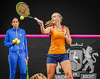 The Hague, The Netherlands, Februari 4, 2020,  Sportcampus , FedCup  Netherlands - Balarus, Dutch team practise, Kiki Bertens with het coach Elise Tamaela (NED)<br /> Photo: Tennisimages/Henk Koster