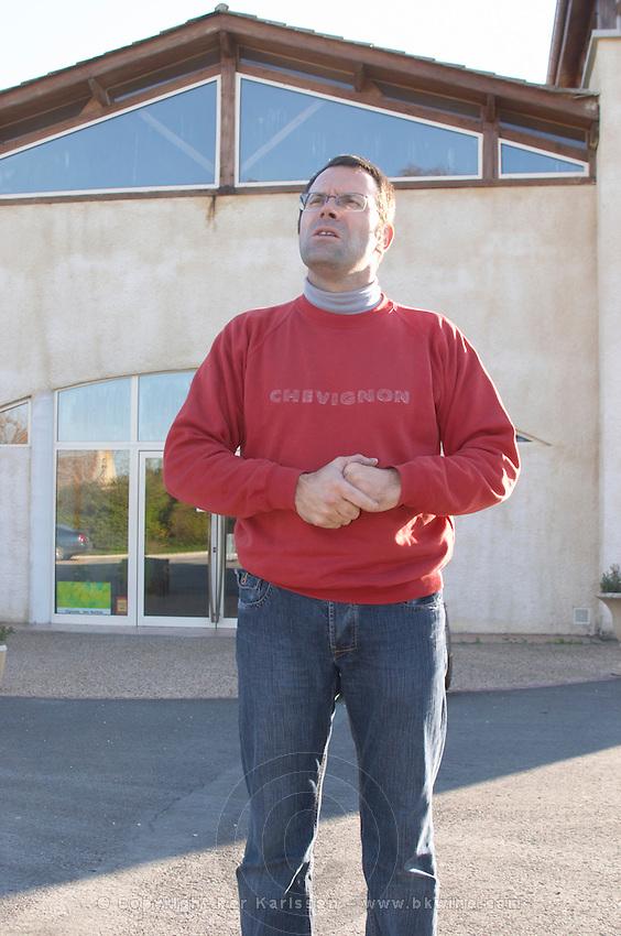 David Fourtout owner and winemaker at Vignoble Tour de Verdots in Bergerac in front of his winery Domaine Vignoble des Verdots Conne de Labarde Bergerac Dordogne France