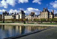 Fontainebleau, chateau, France, castle, Seine-et-Marne, Ile de France, Europe, The pool at the gardens at Chateau de Fontainebleau a 12th-century palace.