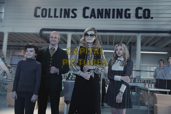 GULLY McGRATH, JONNY LEE MILLER, MICHELLE PFEIFFER & CHLOE GRACE MORETZ .in Dark Shadows .*Filmstill - Editorial Use Only*.CAP/FB.Supplied by Capital Pictures.