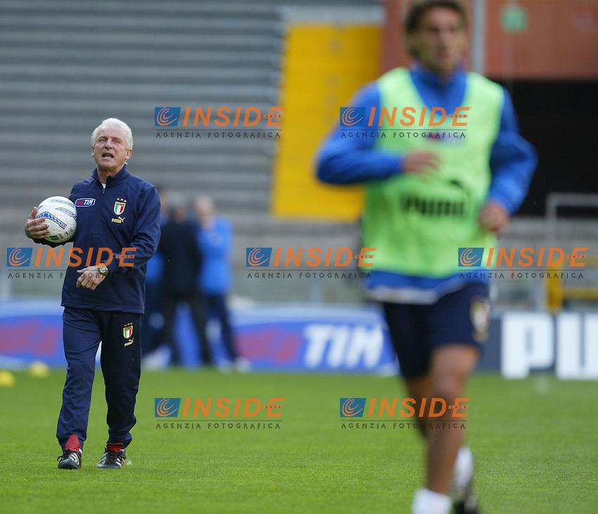 Genova 27/4/2004 <br /> Amichevole Italia Spagna 1-1 - Friendly match Italy - Spain 1-1. <br /> Giovanni Trapattoni, Italy's trainer, during Italy's training<br /> Photo Andrea Staccioli / Insidefoto