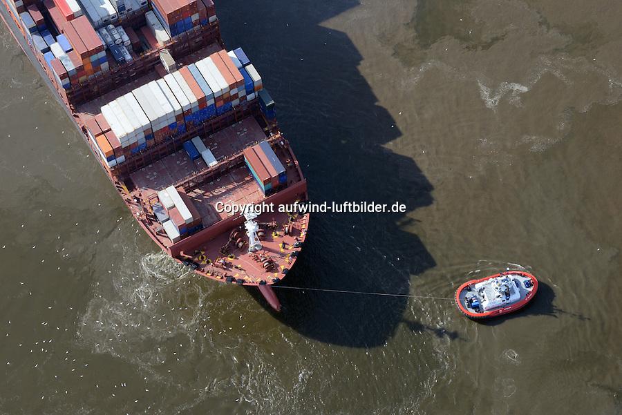 Containerschiff MOL Quartz und Schlepper: EUROPA, DEUTSCHLAND, HAMBURG, (EUROPE, GERMANY), 28.09.2014 Containerschiff MOL Quartz und Schlepper im Koehlbrand