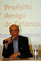 ATENÇÃO EDITOR: FOTO EMBARGADA PARA VEÍCULOS INTERNACIONAIS. SAO PAULO, 07  DE OUTUBRO DE 2012 . ELEICAO 2012 SP - CAMPANHA 2 TURNO - JOSE SERRA. O candidato do PSDB a prefeitura de Sao Paulo, Jose Serra, durante visita a sede da Fundaçãao ABRINQ,  na tarde da segunda feira,  na zona sul da capital paulista. Durante a visita, o candidato assinou uma carta de compromisso com a ABRINQ.   FOTO ADRIANA SPACA/BRAZIL PHOTO PRESS