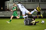 2018-03-10 / Voetbal / Seizoen 2017-2018 / Oosterzonen - Chatelet / De bezoekende keeper is sneller op de bal dan Dante Walen De Keyser van Oosterzonen.<br /> <br /> ,Foto: Mpics.be