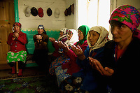 Friday at the mosque in Gadel-Gareyero: women praying. In this republic, Islam is above all practiced by the older generations, those that suffered the least from the atheist education of Soviet schools.