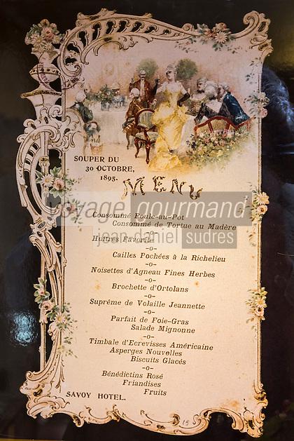 Europe/France/Provence-Alpes-Côte d'Azur/Alpes-Maritimes/Villeneuve-Loubet : Le musée de l'Art culinaire aménagé dans la maison natale d'Auguste Escoffier. Fondation Auguste Escoffier , détail d'un menu    //    Europe, France, Provence-Alpes-Côte d'Azur, Alpes-Maritimes,Villeneuve-Loubet: Museum of Culinary Art Museum established in 1966 in the birthplace (XIX) Master Auguste Escoffier (1846-1935), detail of a menu