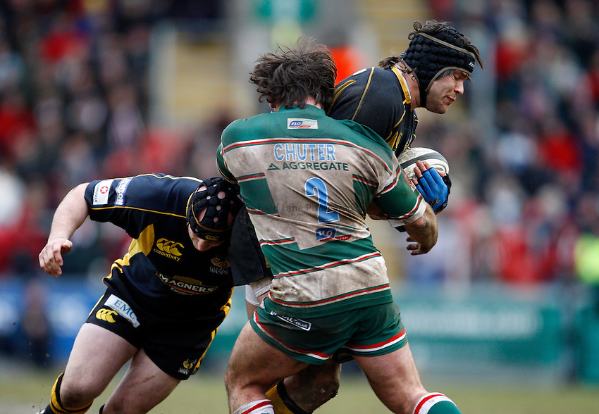 Photo: Richard Lane/Richard Lane Photography..Leicester Tigers v London Wasps. Guinness Premiership. 29/03/2008. Wasps' Tom Palmer attacks with Tom Palmer supports.