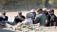 Pictured: Eddie Needham (C), the grandfather of missing Ben Needham with South Yorkshire Police officers in Kos, Greece. Wednesday 05 October 2016<br />