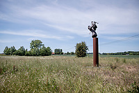 Dranouter Folk Festival statue<br /> cycling hotspots & impressions in Heuvelland<br /> <br /> Cycling In Flanders <br /> Flanders Tourist Board<br /> <br /> ©kramon