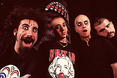 SYSTEM OF A DOWN - L-R: Serj Tankian, Daron Malakian, Shavo Oladjian, John Dolmayan - photosession in London UK - Nov 1998.  Photo credit: PG Brunelli/IconicPix