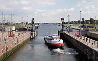 Nederland -  IJmuiden - 2019.    Boot in de sluis.  Foto Berlinda van Dam / Hollandse Hoogte