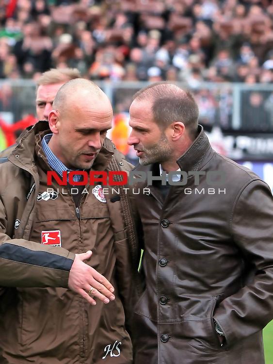 2.Liga FBL 2008/2009  25.Spieltag R&uuml;ckrunde<br /> FC St.Pauli vs. FC Augsburg 1:1<br /> <br /> <br /> Holger Stanislawski w&uuml;nscht Holger Fach per Handschlag alles Gute f&uuml;r die Zukunft.<br /> <br /> <br /> Foto &copy; nph (nordphoto)<br /> <br /> *** Local Caption ***
