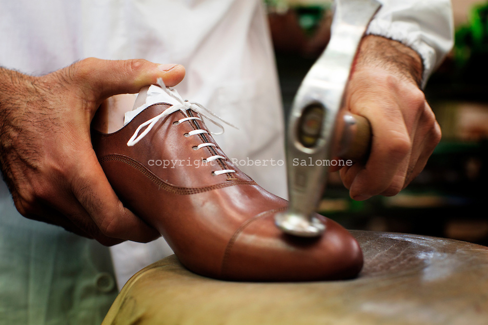 info for d6112 d64ec santoni-shoes-italy043.jpg   roberto salomone documentary ...