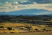 Europe, Espagne, Navarre, env d'Arguedas: Parc Naturel des Bardenas Reales, Réserve de biosphère, El Paso: Vue sur la Blanca Baja  // Europe, Spain, Navarre, near Arguedas: Bardenas Reales Natural Park, Biosphere Reserve, El Paso: White Bardena
