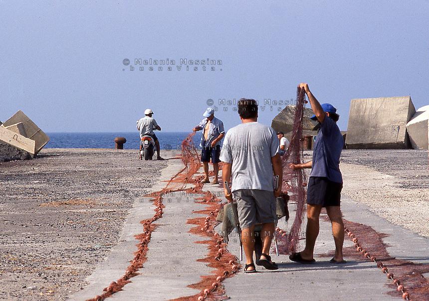 Fishermen in Linosa, Sicily.<br /> Pescatori di Linosa