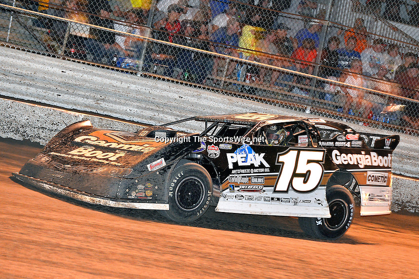 Feb 20, 2014; 9:22:01 PM;  Barberville, FL, USA;  World of Outlaws Late Model Series for 43rd Annual DIRTcar Nationals presented by Summit Racing Equipment at Volusia Speedway Park.  Mandatory Credit: (thesportswire.net)