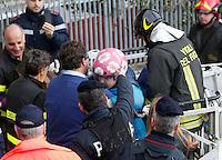 Crollo di un costone della collina di Posillipo su di un Palazzo<br /> nella foto i soccorsi
