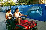 Transporte na Ilha Utila. Honduras. 2004. Foto de Ricardo Azoury.