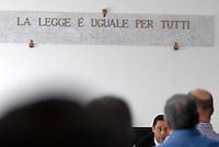 L'Aquila. la seconda udienza del processo alla commissione grandi rischi. 1°ottobre 2011.Il giudice Marco Billi..