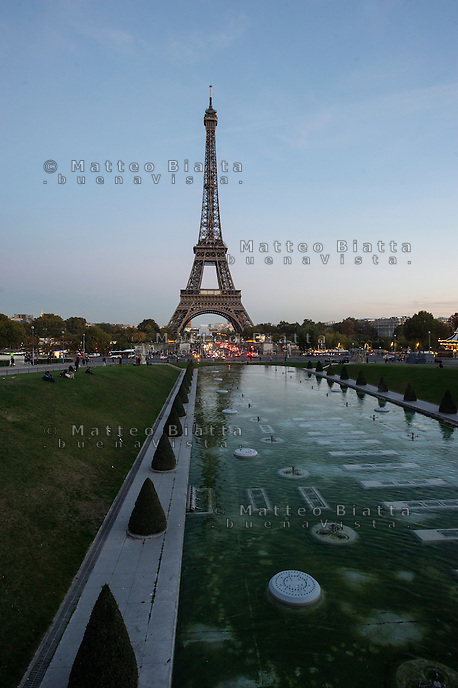 Parigi nella foto la Torre Eiffel dal Trocadero geografico Parigi 03/11/2016 foto Matteo Biatta<br /> <br /> Paris in the picture Eiffel tower from Tocadero geographic Paris 03/11/2016 photo by Matteo Biatta