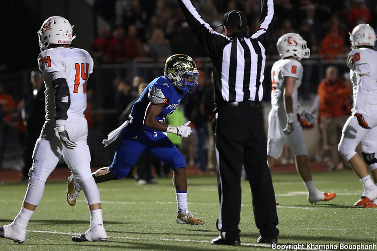 Boswell's Breshun Berry makes a 25-yard touchdwon run after the catch in the third quarter during their 35-26 loss to Aledo in 6-5A high school football at Pioneer Stadium in Fort Worth on Friday, November 10, 2017. (photo by Khampha Bouaphanh)