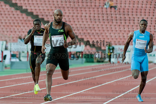 Asafa Powell (C) from Jamaica wins the 100m men's running competition with 9.86 during the Istvan Gyulai Memorial Hungarian Athletics Grand Prix 2011, in the Ferenc Puskas Stadium in Budapest, Hungary on July 30, 2011. ATTILA VOLGYI