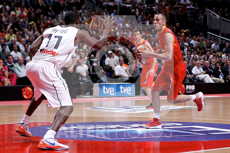 Spain's Sergio Rodriguez  and France's Florent Pietrus  during friendly match.July 9,2012.(ALTERPHOTOS/Alconada)