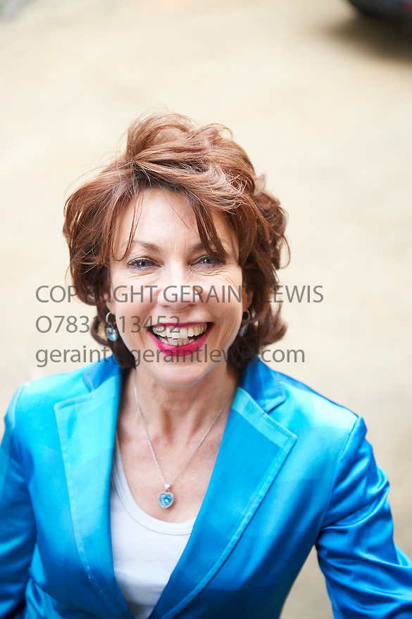 Kathy Lette  novelist and writer  of The Boy Who Fell To Earth at The Oxford Literary Festival at Christchurch College Oxford  . Credit Geraint Lewis