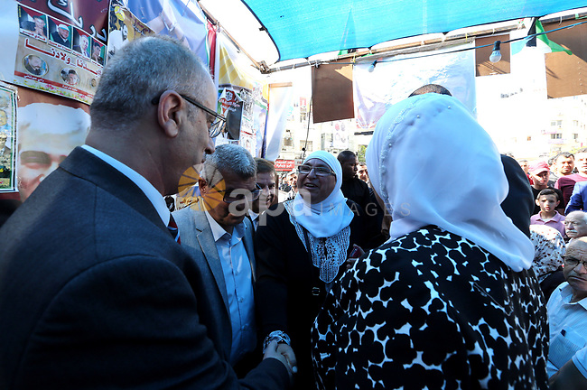 Palestinian Prime Minister Rami Hamdallah takes part at a protest tent in solidarity with Palestinian hunger-striking prisoners in Israeli jails, in the West Bank city of Ramallah on May 4, 2017. Photo by Prime Minister Office