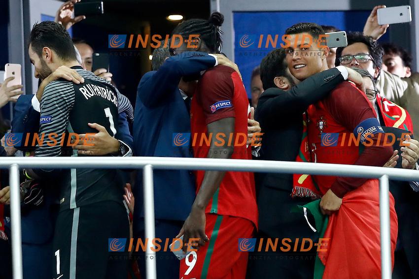 Portugal supporters congratulating with Cristiano Ronaldo during the award ceremony. cerimonia premiazione<br /> Paris 10-07-2016 Stade de France Football Euro2016 Portugal - France / Portogallo - Francia Final / Finale <br /> Foto Matteo Ciambelli / Insidefoto