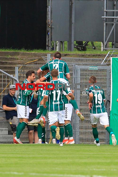11.08.2019, Stadion Lohmühle, Luebeck, GER, DFB-Pokal, 1. Runde VFB Lübeck vs 1.FC St. Pauli<br /> <br /> DFB REGULATIONS PROHIBIT ANY USE OF PHOTOGRAPHS AS IMAGE SEQUENCES AND/OR QUASI-VIDEO.<br /> <br /> im Bild / picture shows<br /> Torjubel/Jubel. Torschütze/Torschuetze Marvin Thiel (VfB Luebeck) jubelt ueber das Tor zum 2:0.<br /> <br /> Foto © nordphoto / Freund