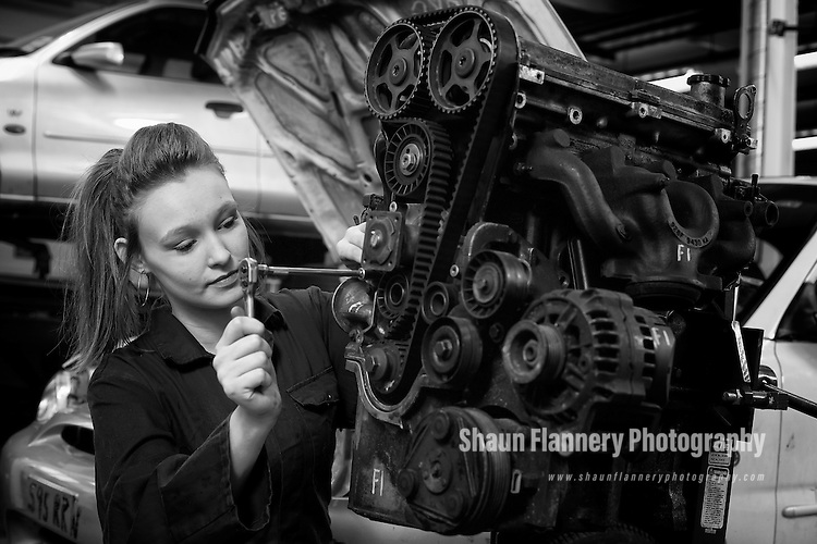 Pix: Shaun Flannery/shaunflanneryphotography.com...COPYRIGHT PICTURE>>SHAUN FLANNERY>01302-570814>>07778315553>>..13th March 2013..UK Steel Enterprise (UKSE)..Athersley Cares - Motorskills Project.<br /> Partnership House, Barnsley.<br /> Student 'mechanic' Kelly Beevers.