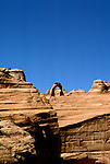 UT: Utah; Arches National Park, Delicate Arch               .Photo Copyright: Lee Foster, lee@fostertravel.com, www.fostertravel.com, (510) 549-2202.Image: utarch225