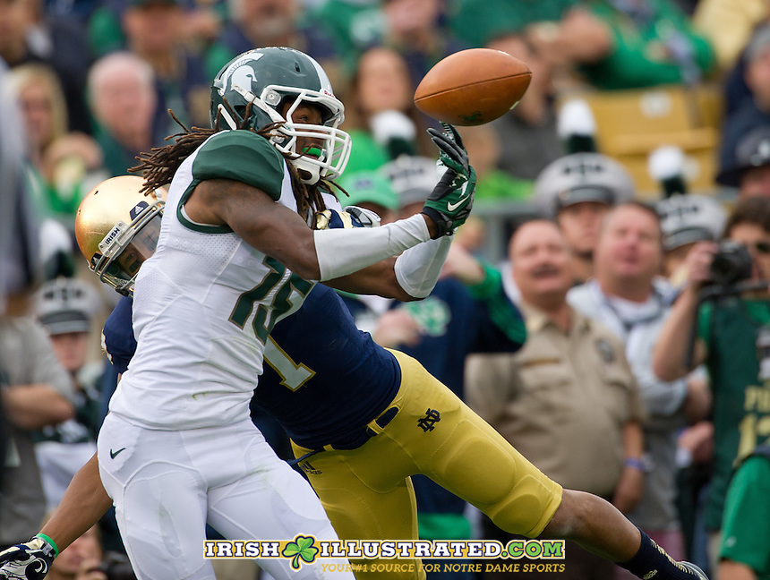 Michigan State Spartans cornerback Trae Waynes (15) was called for pass interference on this pass attempt to wide receiver TJ Jones (7).