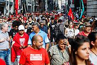 SÃO PAULO, SP, 26.06.2019: PROTESTO-SP - Movimentos de moradia realizaram um protesto na tarde desta quarta-feira (26) contra a prisão de quatro líderes, realizada na última segunda-feira, por denúncias de extorsão; ato seguiu do Pateo do Colégio até o Tribunal de Justiça de São Paulo. (Foto: Carla Carniel/Código19)