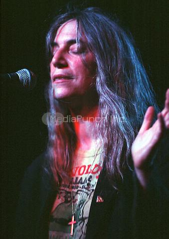 Patti Smith performing 2002 Credit:  Ian Dickson / MediaPunch