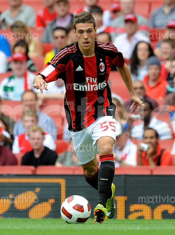 FUSSBALL INTERNATIONAL   SERIE A   SAISON 2010/2011    Emirates Cup, AC Milan - Olympic Lyon    01.08.2010 Simone Verdi (Mailand)