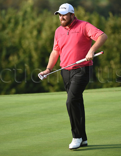 20.09.2014.  Newport, Wales. ISPS Handa Wales Open Golf. Day 3. Shane Lowry heads for 18th tee
