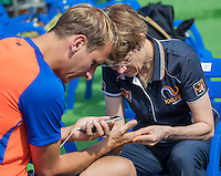 Moscow, Russia, 13 th July, 2016, Tennis,  Davis Cup Russia-Netherlands, Training Dutch team, Doctor Babette Pluim treats Thiemo de Bakker (NED)<br /> Photo: Henk Koster/tennisimages.com