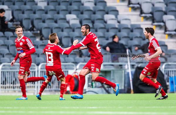 Stockholm 2014-05-04 Fotboll Superettan Hammarby IF - IFK V&auml;rnamo :  <br /> V&auml;rnamos Juan Robledo har kvitterat till 2-2 och jublar med lagkamrater <br /> (Foto: Kenta J&ouml;nsson) Nyckelord:  Superettan Tele2 Arena Hammarby HIF Bajen V&auml;rnamo jubel gl&auml;dje lycka glad happy