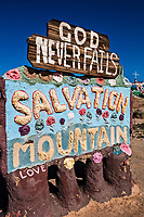 Salvation Mountain_Niland California_photos