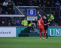 VOETBAL: HEERENVEEN: 06-02-16, Abe Lenstra Stadion, SC Heerenveen - FC Twente, uitslag 1-3, scheidsrechter Dennis Higler geeft rood aan Joost van Aken (buiten beeld), ©foto Martin de Jong