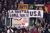 Calcio, Serie A: AS Roma vs Torino. Roma, stadio Olimpico, 19 novembre 2012..AS Roma dans show a banner aimed to the U.S. ownership during the Italian Serie A football match between AS Roma and Torino at Rome's Olympic stadium, 19 November 2012..UPDATE IMAGES PRESS/Riccardo De Luca