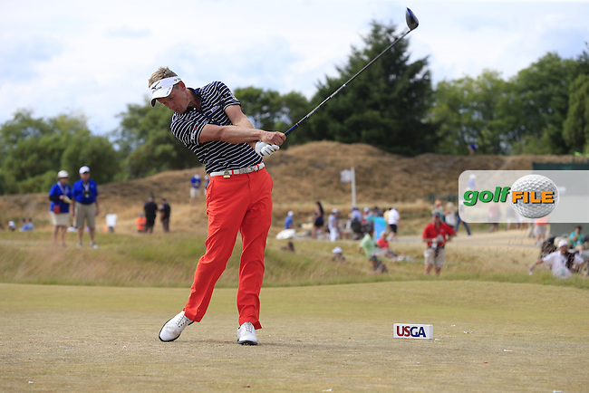 Luke Donald (ENG) tees off the 4th tee during Thursday's Round 1 of the 2015 U.S. Open 115th National Championship held at Chambers Bay, Seattle, Washington, USA. 6/19/2015.<br /> Picture: Golffile | Eoin Clarke<br /> <br /> <br /> <br /> <br /> All photo usage must carry mandatory copyright credit (&copy; Golffile | Eoin Clarke)