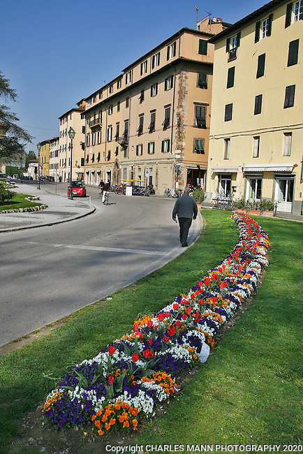 The Tuscan town of Lucca has a more casual and relaxed ambiance than busy Florence.