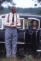 Driving Miss Daisy (1989) <br /> Morgan Freeman &amp; Jessica Tandy<br /> *Filmstill - Editorial Use Only*<br /> CAP/MFS<br /> Image supplied by Capital Pictures