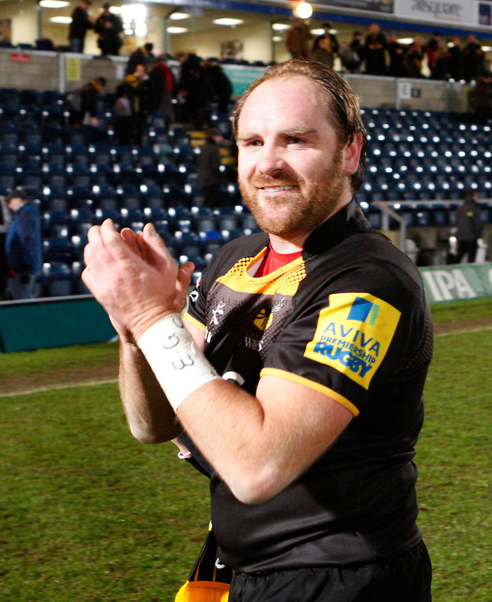 Photo: Richard Lane/Richard Lane Photography. London Wasps v Exeter Chiefs. Aviva Premiership. 05/01/2014. Wasps' Andy Goode applauds the supporters.